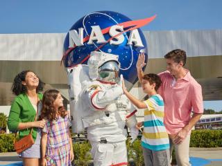 Kennedy Space Center Ultimate Experience